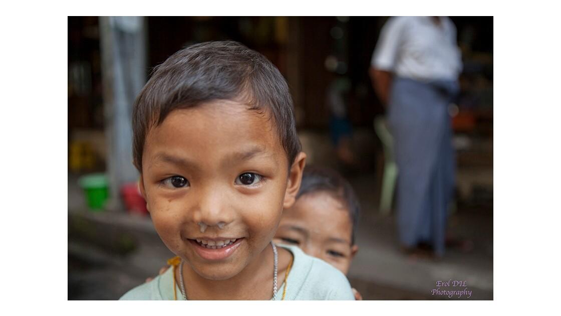 Les enfants à Rangoon