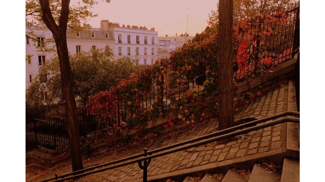 Quand Montmartre rougeoie