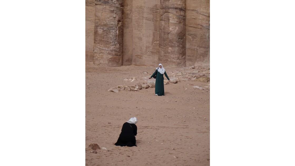 Jordanie Pétra Devant le Monastère 1