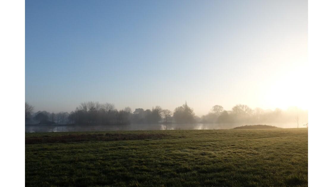 Brume hivernale sur l'Erdre Nort sur Erdre (44)