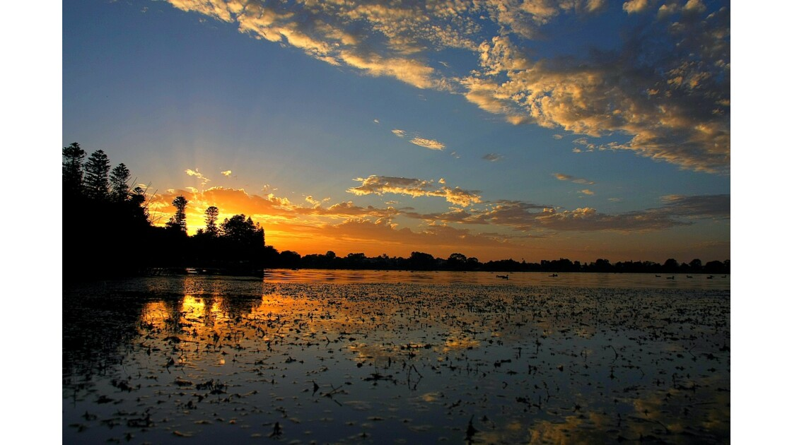Lac Monger Perth