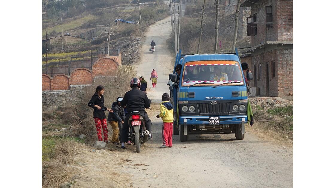 Népal Sur la piste de Khokana avant la fête 2