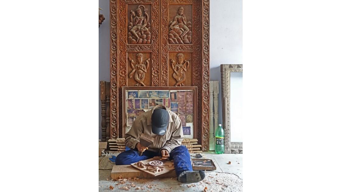 Népal Khokana fabrication de portes 3