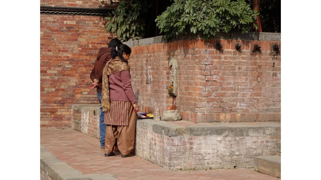 Népal Patan Palais royal Keshav Narayan Chowk offrande 1