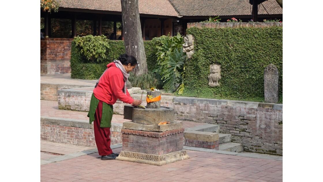 Népal Patan Palais royal Keshav Narayan Chowk offrande 3