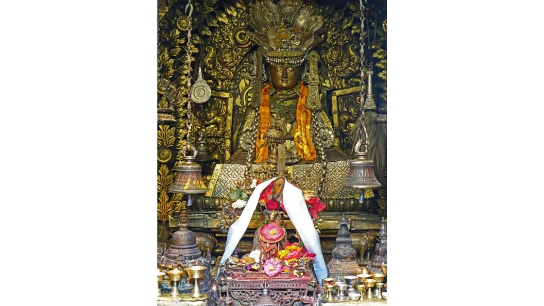 Népal Patan Temple d'Or Shakyamuni Bouddha 2