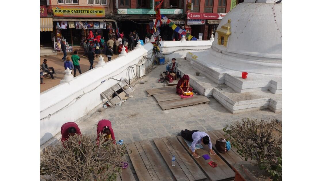Népal Bodnath Petits stupas lieu de prière 2