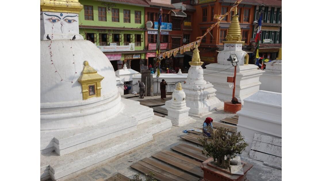 Népal Bodnath Petits stupas lieu de prière 3