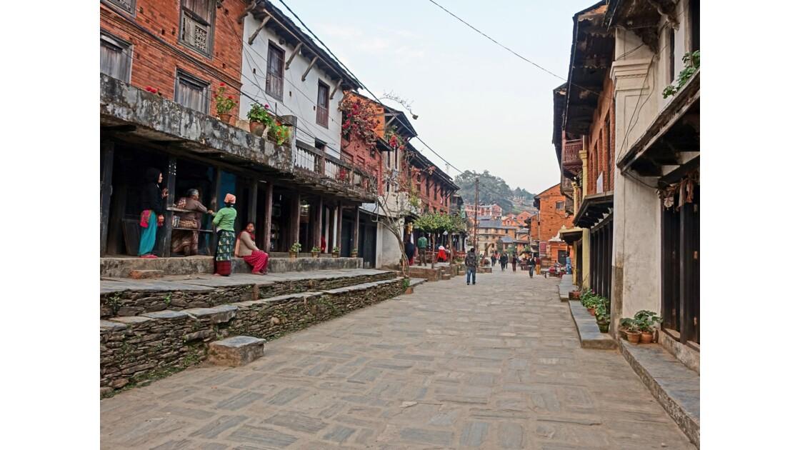 Népal Bandipur Main Bazaar au petit matin 1