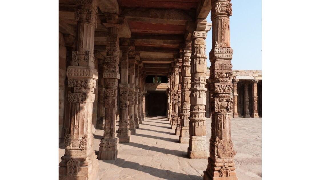 Piliers gravés - Qutub Minar