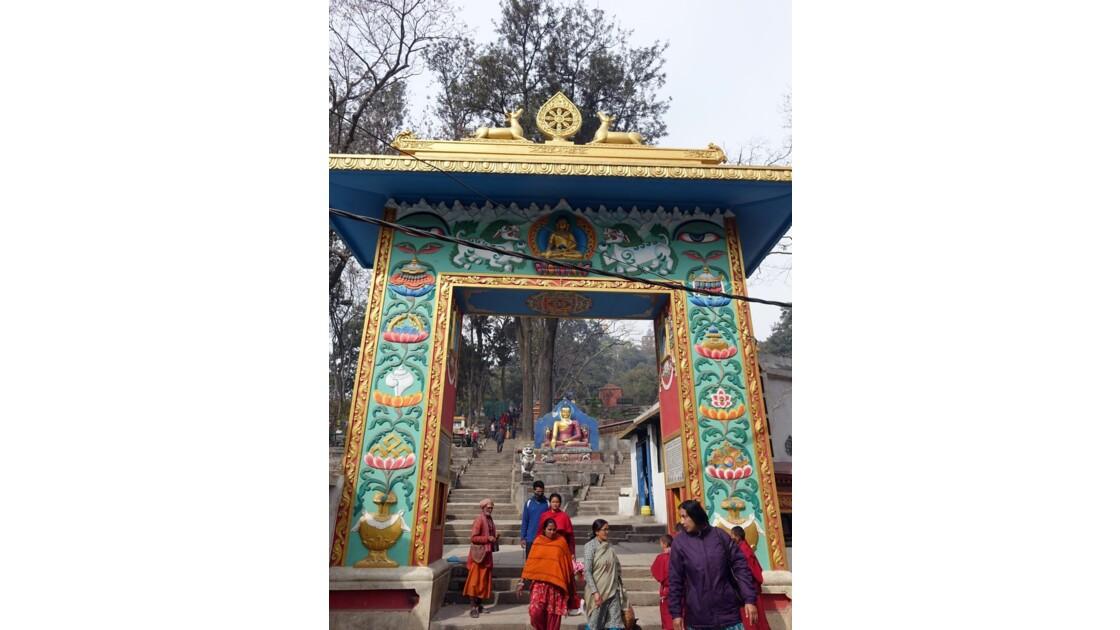 Népal Bouddha à l'entrée de Swayambunath 1