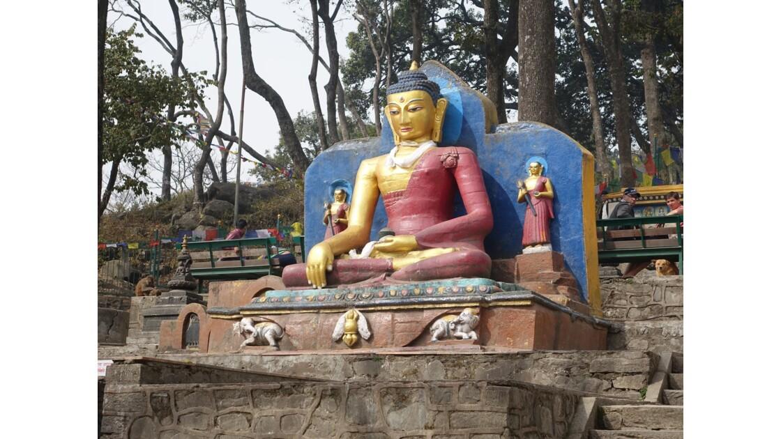 Népal Bouddha à l'entrée de Swayambunath 2