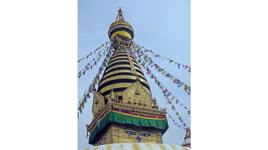 Népal Le harmika du Stupa de Swayambunath