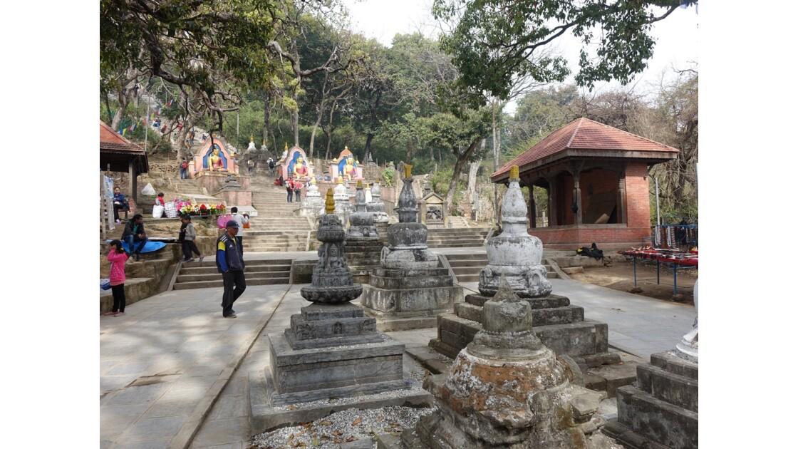 Népal Entrée Est du Stupa de Swayambunath
