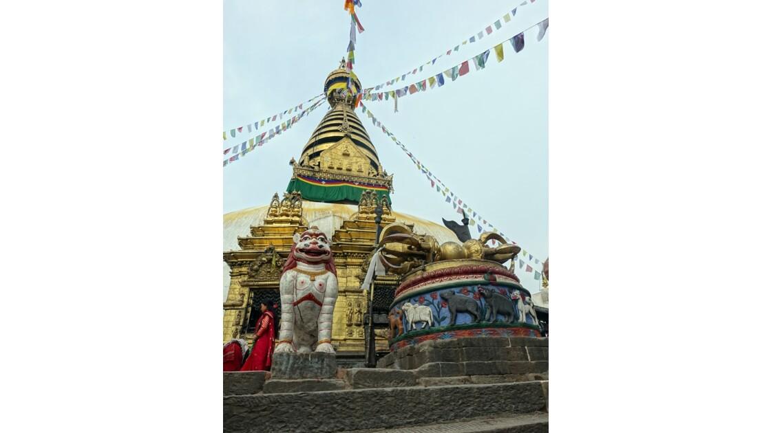 Népal Stupa de Swayambunath et Vajra géant