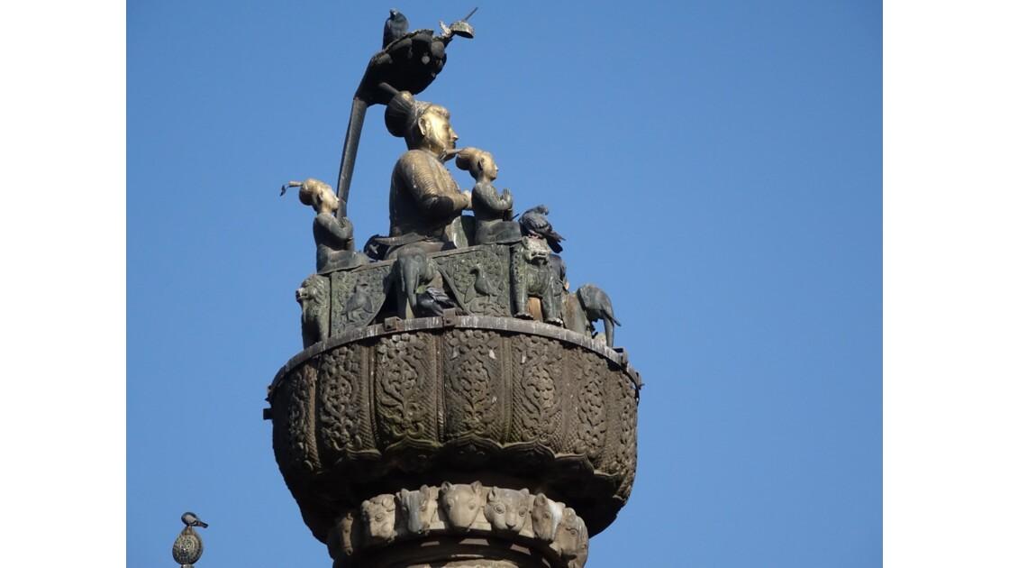 Népal Katmandou Durbar Square colonne du roi Pratapa Malla 3