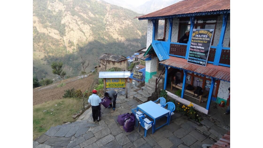 Népal Landruk préparatifs pour Ghandruk