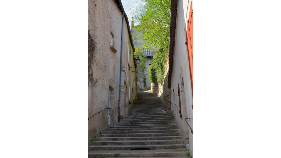 Semur en Auxois.
