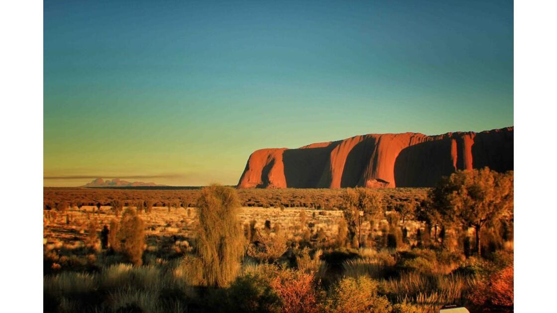 Lever du soleil sur l'Uluru