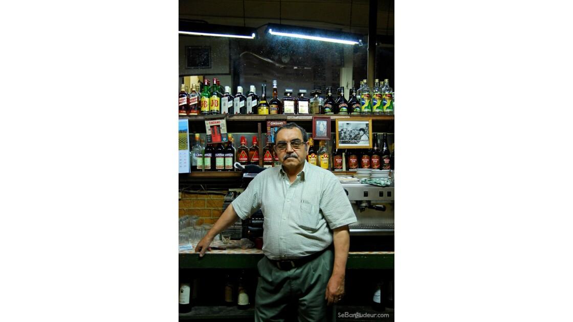Barman du Cinzano, Valparaiso