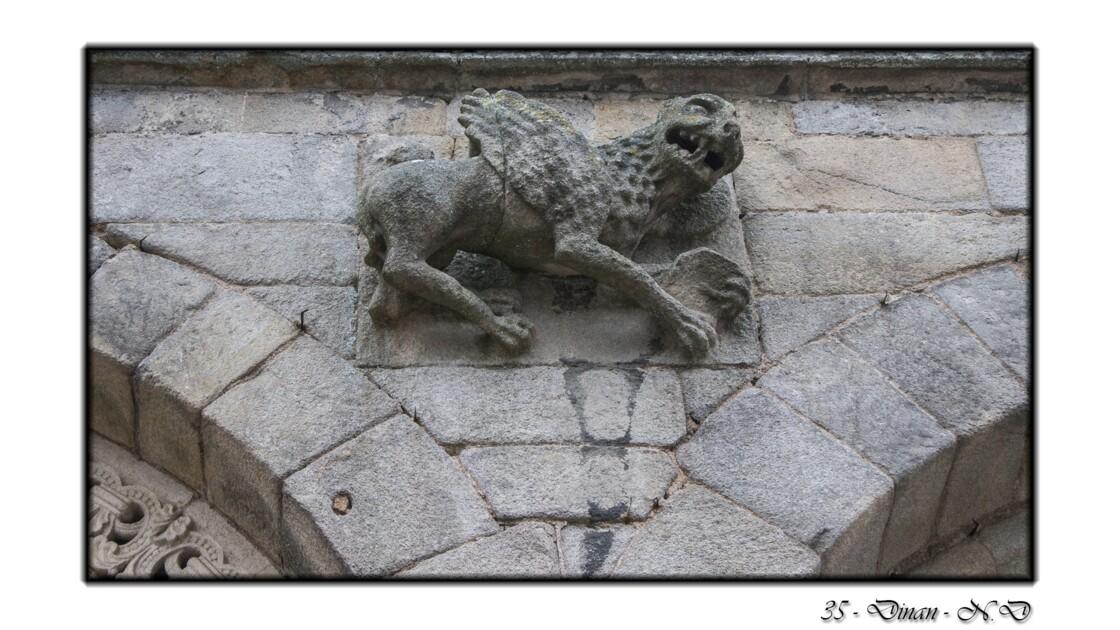 22 - Dinan - Basilique Saint Sauveur - Le lion ailé symbole de Saint Marc