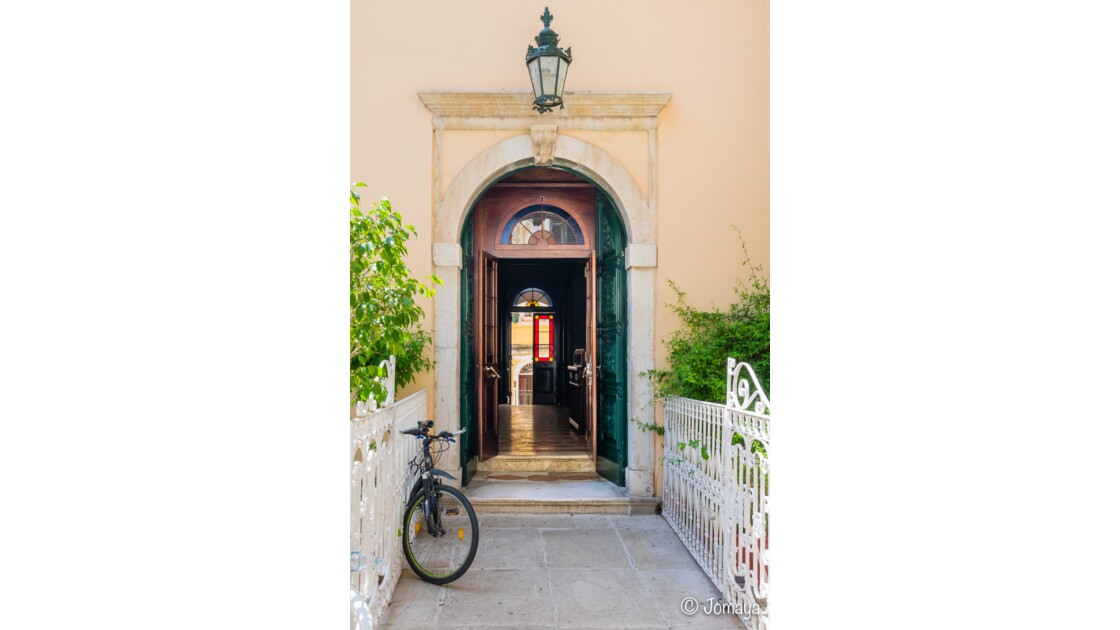 Dans les rues de Corfou - Corfu Streets