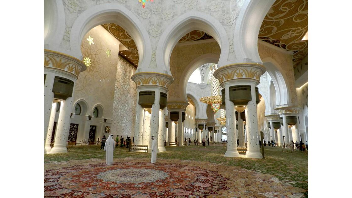 Abu Dhabi la Mosquée blanche de Sheikh  Zayed  : intérieur