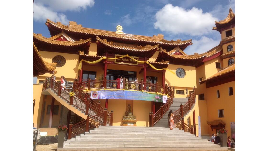 La plus grande pagode vietnamienne d'Europe