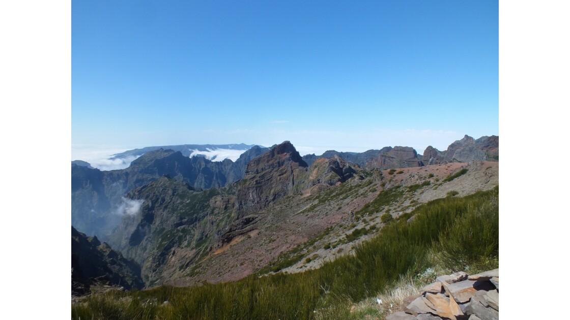 Vue vers le Pico Ruivo