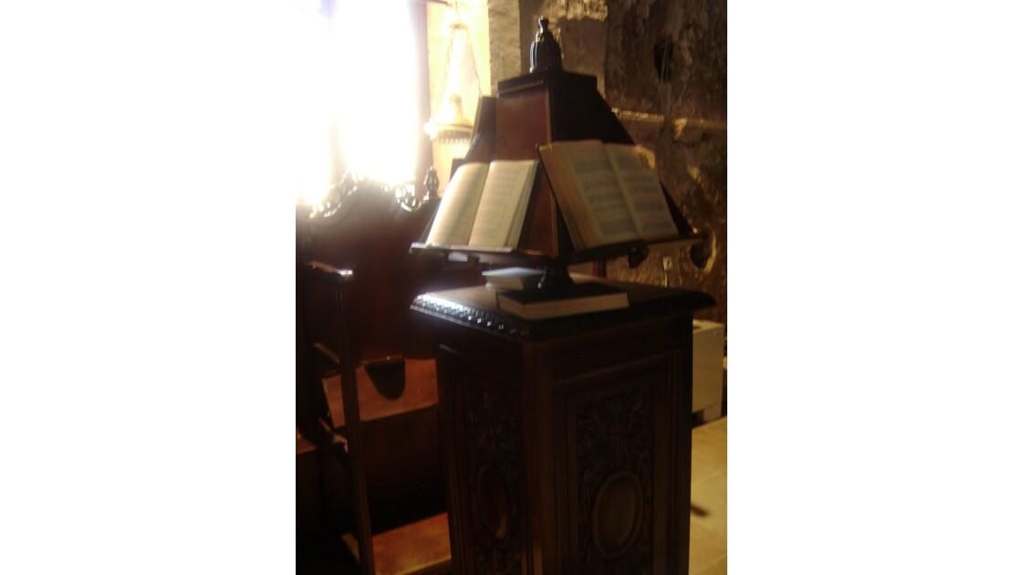 Dans une chapelle crétoise
