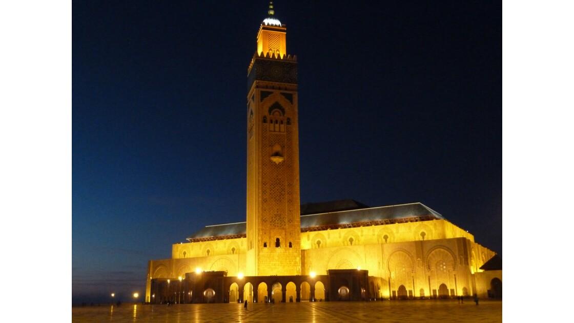 Ciel clair sur Casablanca par un calme soir de semaine