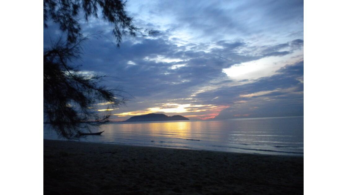 Levé du soleil en Thailande