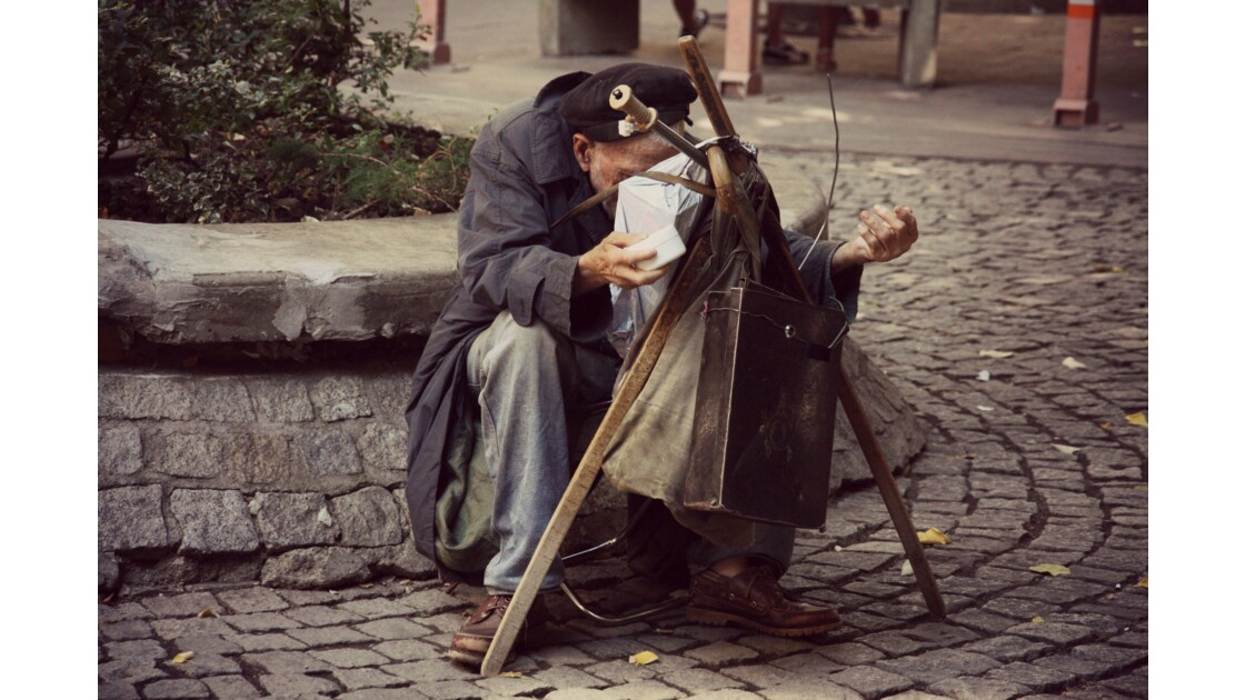 Art Street man without money
