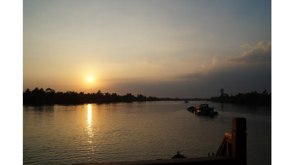 Coucher de soleil sur le Mekong, près de Cai Be
