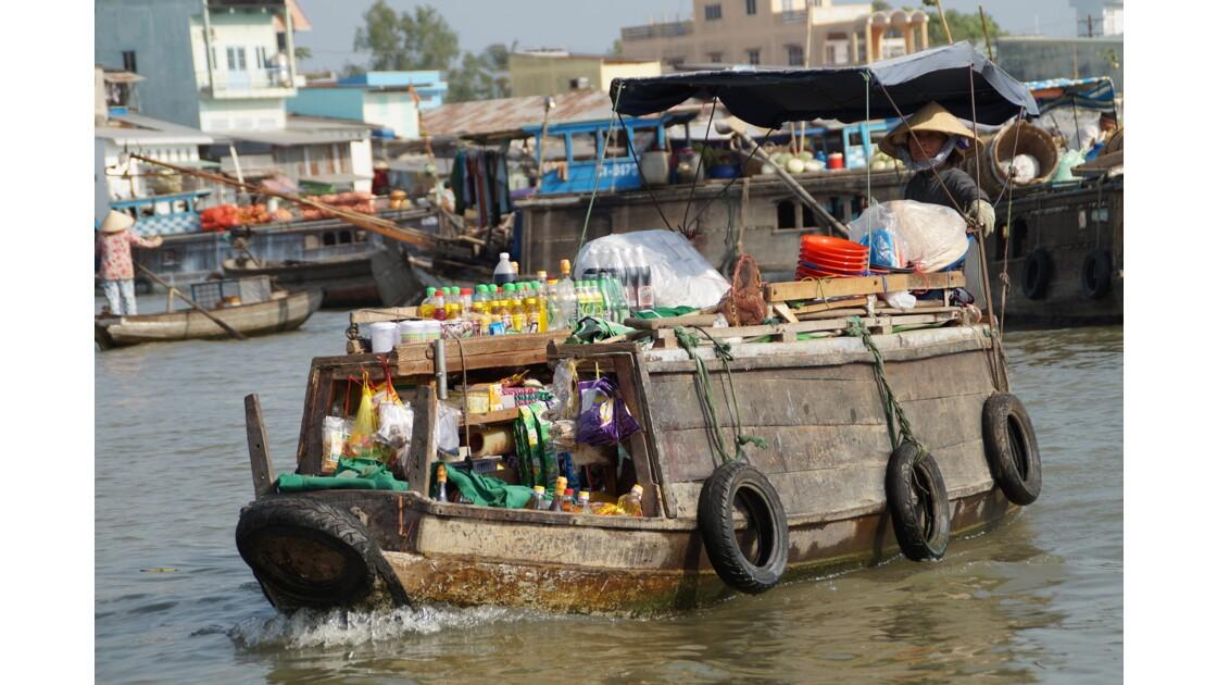 Marchands sur le marché de Cai Rang
