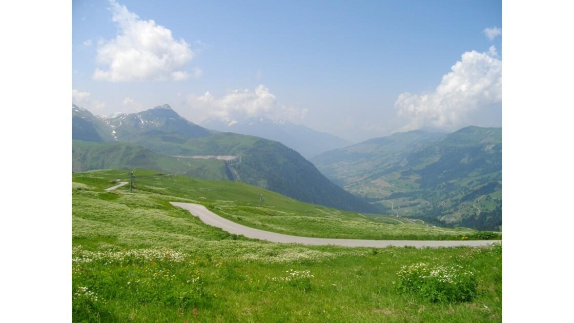 Barrage de la Girotte, Montagne d'Outray, Vallée du Dorinet (vue du Col du Joly)