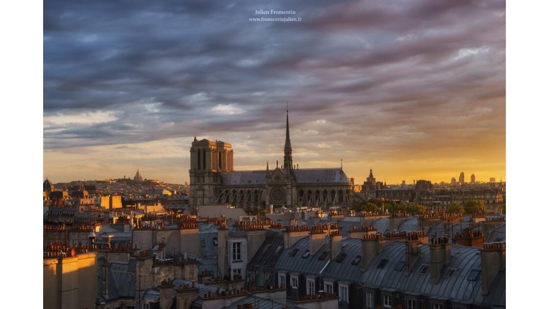 Cathédrale Notre-Dame de Paris & Basilique du Sacré-Coeur de Montmartre