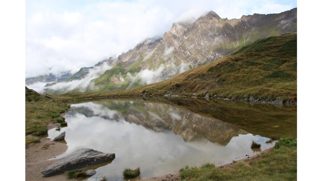 Montagne et son miroir