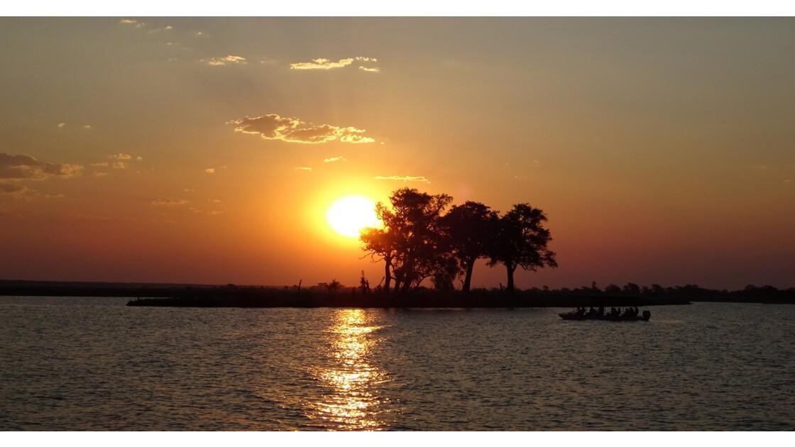 Botswana Coucher de soleil sur le fleuve Chobe