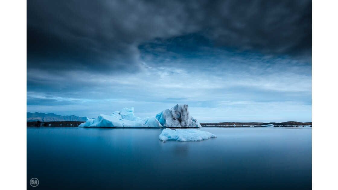 Fjallsárlón icebergs