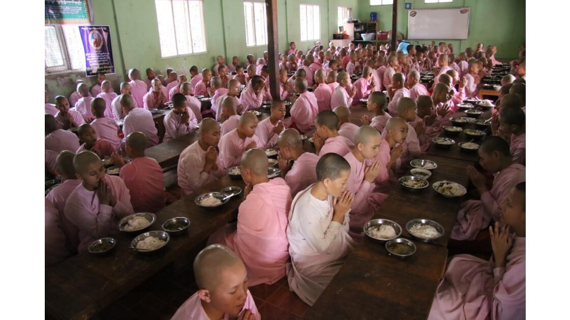 école monastique
