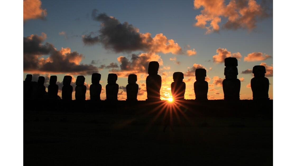 Sunrise à Ahu Tongariki