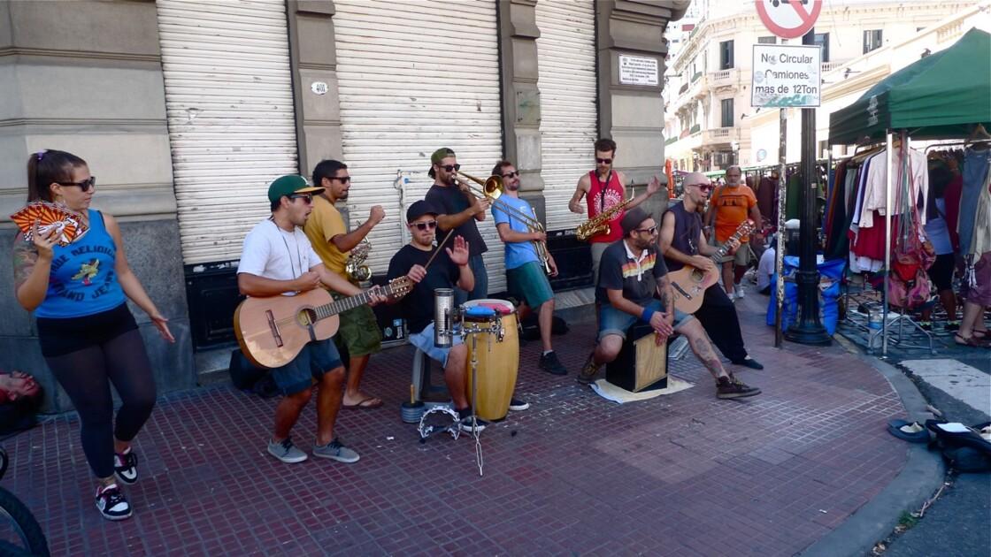Quartier de San Telmo  à Buenos Aires le dimanche