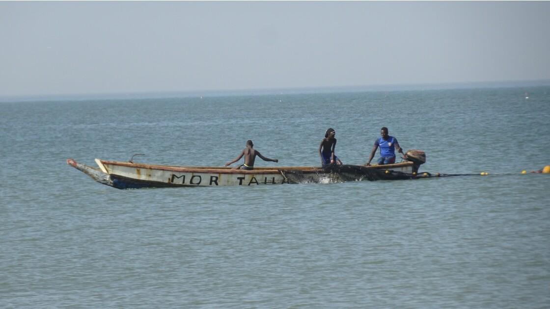 Sénégal entre Saly et Mbour pose des filets 1