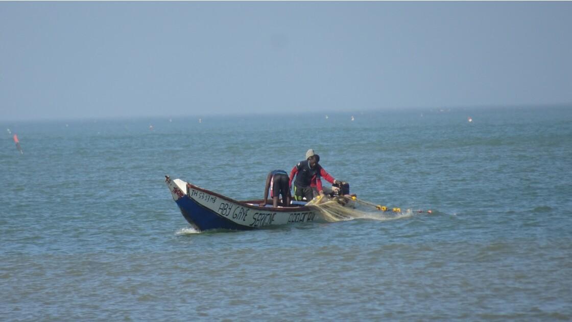 Sénégal entre Saly et Mbour pose des filets 3