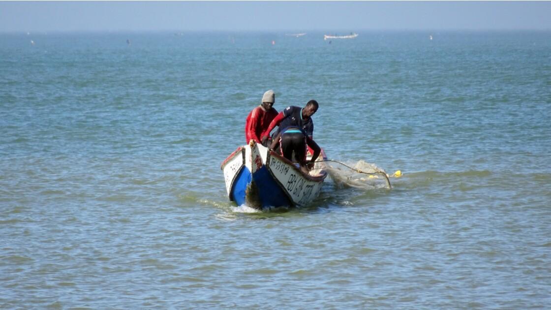 Sénégal entre Saly et Mbour pose des filets 4