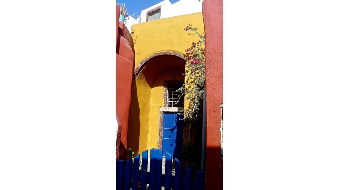 Santorini : Perle de la mer Egée