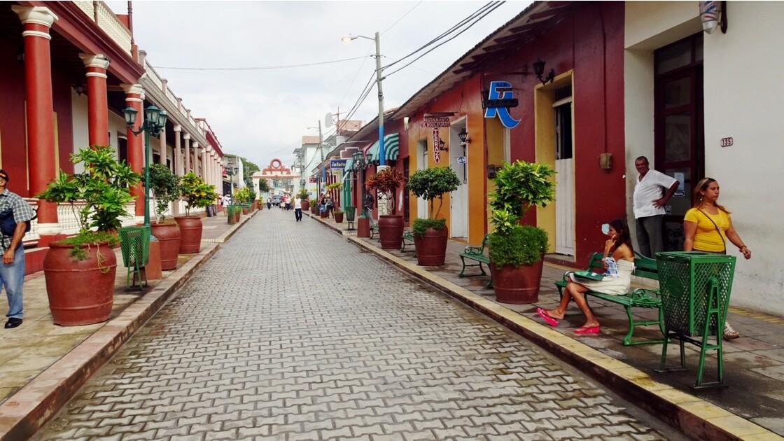Cuba Baracoa rue piétonne 5