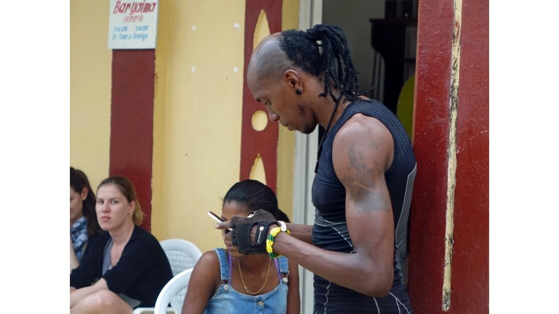 Cuba Baracoa Internet Parque de la Indepencia