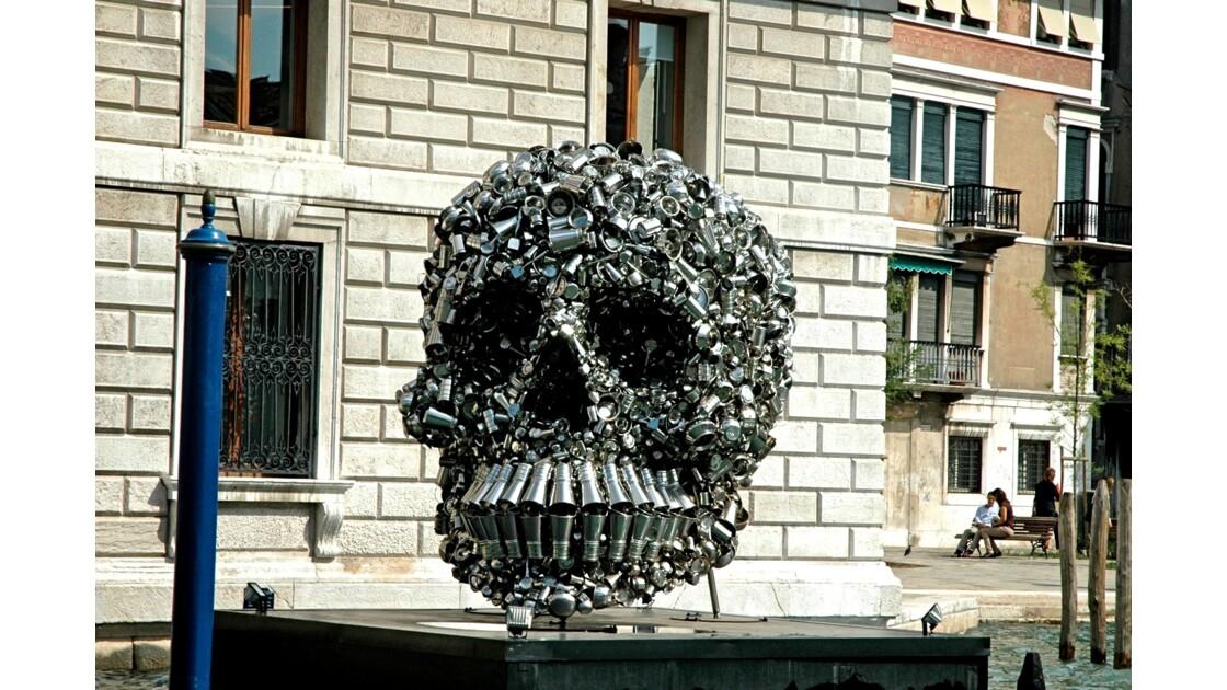 Pas vraiment d'origine vénitienne cette  sculpture !